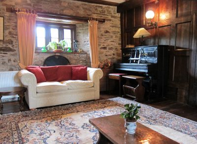 Second sitting room in Alexanderstone Manor