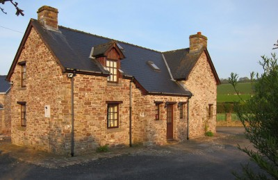 Alexanderstone Cottage from driveway